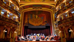 Pano de Boca do Teatro Amazonas será restaurado em parceria da SEC com Ministério da Cultura