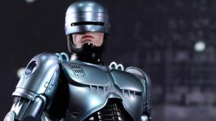 Neill Blomkamp irá dirigir sequência de 'RoboCop'