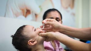 UBSs oferecem vacina contra poliomielite em horário estendido