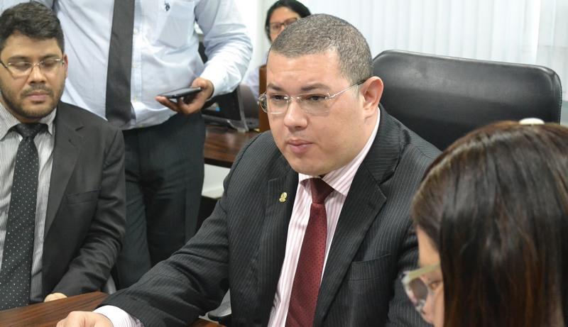 Advogado Alan Johnny Feitosa da Fonseca viajará a Brasília para pedir ajuda no Ministério da Justiça (Foto: OAB-AM/Divulgação)
