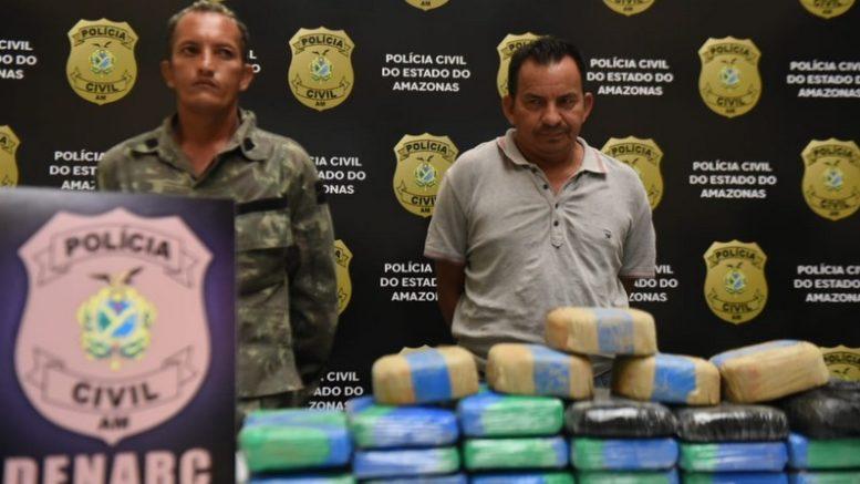 Paulo Coelho de Oliveira e Manoel Araújo da Costa foram presos suspeitos de tráfico (Foto: SSP-AM/Divulgação)