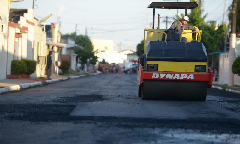 Asfaltamento das ruas de Parintins