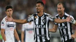 Rodrigo Lindoso comemora gol marcado contra o Nacional na vitória do Botafogo (Foto: Vítor Silva/SSPress/Botafogo)