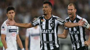 Botafogo vence e será adversário do Bahia nas oitavas da Sul-Americana