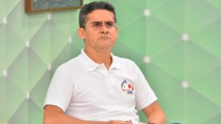 David Almeida pede que Justiça mande blogueiro excluir publicações do Facebook