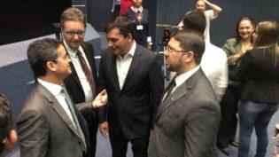 Pré-candidatos David Almeida e Wilson Lima se encontram na Assembleia
