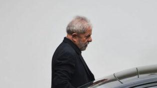 Lewandowski manda liberar Lula para conceder entrevistas