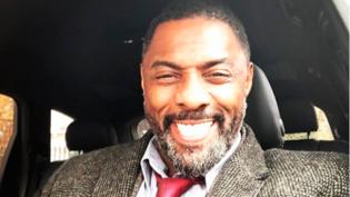 Idris Elba acaba com rumores de que será o próximo James Bond