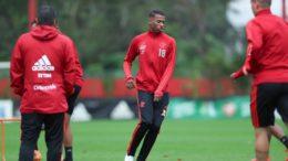 Jean Lucas substituirá Lucas Paquetá, que está suspenso, no clássico contra o Cruzeiro (Foto: Gilvan de Souza/Flamengo.com)