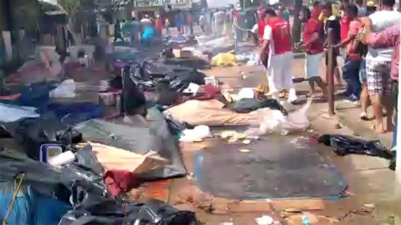 Acampamento de venezuelanos foi destruído em Pacaraima após assalto a comerciante (Foto: WhatsApp/Reprodução)