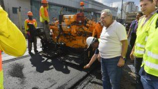 Amazonino anuncia importação de asfalto para sistema viário do Estado