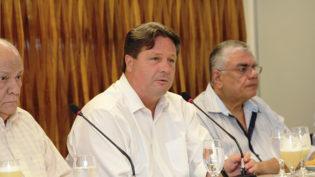 Fieam recebe empresários da indústria para discutirreforma tributária