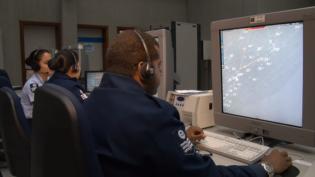 Governo altera edital para gestão e controle do tráfego aéreo no País