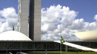Sem maioria no Congresso, Jair Bolsonaro terá que negociar apoio
