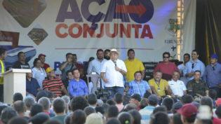 Justiça proíbe Amazonino de visitar obras públicas nos municípios do interior