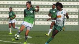 Iranduba (de verde) sofreu revés em São Paulo e precisa vencer jogo de volta em Manaus (Foto: Léo Roveroni/Assessiva Comunicação)