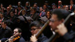 Coral e Amazonas Filarmônica apresentarão obras de grandes compositores em homenagem à padroeira dos músicos (Foto: Michael antas/Secom)