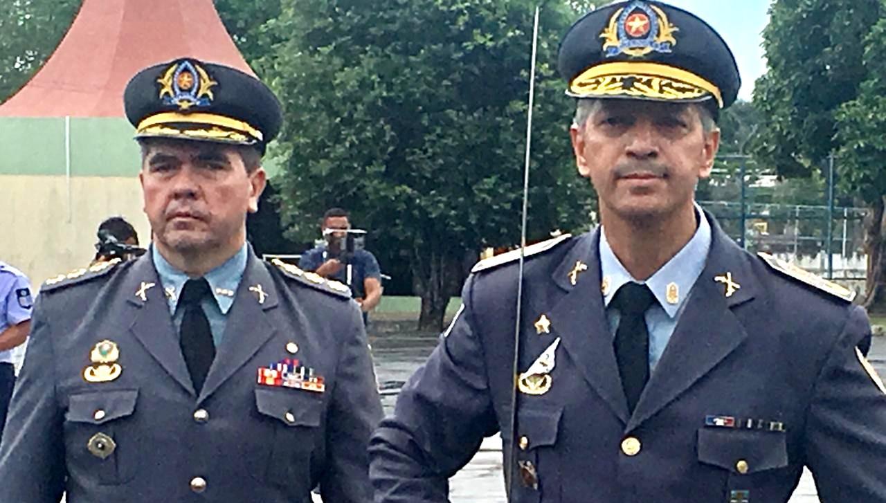 David Brandão deixou o cargo e José Cláudio Nonato (à direita) assumiu o comando da PM-AM (Foto: Facebook/Reprodução)
