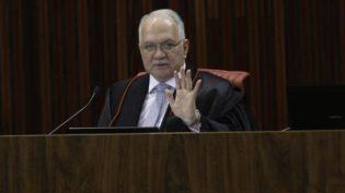 Ministro Edson Fachin nega pedido para suspender inelegibilidade de Lula