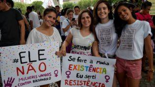 Vinte imagens de 'Mulheres contra o fascismo': #Elenão