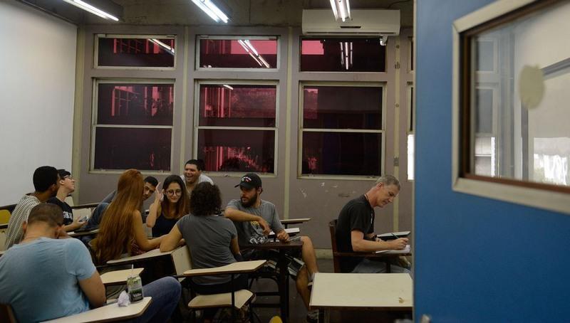 Sala de universidade pública com vagas sobrando: MEC quer preencher com transferência de alunos de entidades privadas (Foto: Tânia Rêgo/ABr)