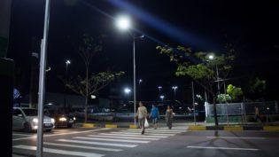 Prefeitura de Manaus instala faixas de pedestres com iluminação LED