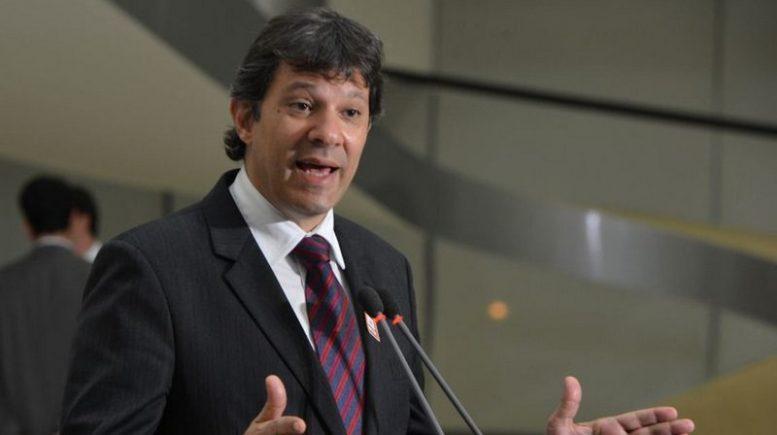 Até então vice na chapa, Fernando Haddad foi confirmado como candidato do T à Presidência da República em substituição a Lula (Foto: Agência Brasil)