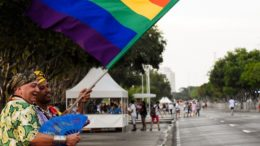 Parada Gay tenta incentivar envolvimento político dos homossexuais na defesa dos seus direitos (Foto: Ingrid Anne/Manauscult)