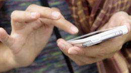 Empresa Claro está proibida de habilitar novas linhas de telefonia móvel em Tefé (Foto: Facebook/Reprodução)