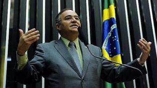 Propina de R$ 6 mil custa dois anos de prisão a ex-deputado federal