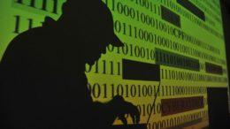 Páginas pornográficas foram descobertas a partir de denúncias dos internautas (Foto: Marcello Casal/ABr)