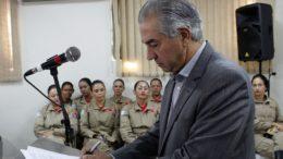 Reinaldo Azambuja viaja pelo interior do Estado e PF fez buscas no gabinete do governador (Foto: Chico Ribeiro/Subcom-MS)