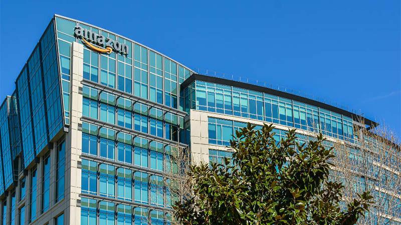 mazon se tornou a segunda empresa a chegar à marca de US$ 1 trilhão na bolsa de valores (Foto: iStoc/Divulgação)