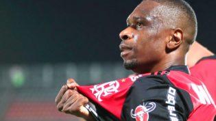 Presidente do Flamengo diz que Juan decidirá seu próprio futuro