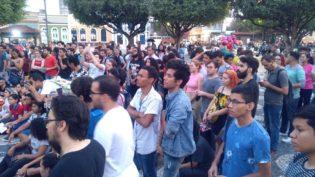 Contra o fascismo, aula pública acontece e emociona