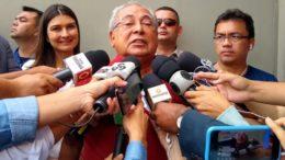 Amazonino evitou falar em eleição, mas desejou boa sorte aos adversários (Foto: Alice Lima/ATUAL)