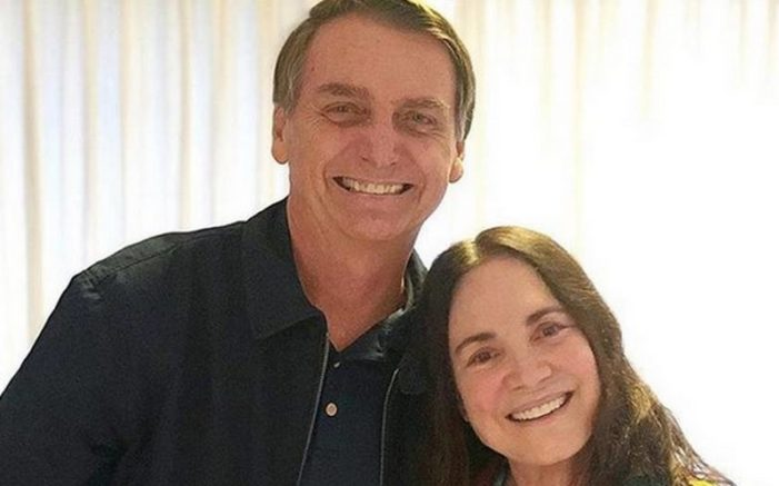 Regina Duarte visitou Jair Bolsonaro e postou foto no Instagram. Atriz elogia candidato e nega homofobia (Foto: Instagram/Reprodução)