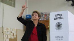 Dilma Rousseff disse que o candidato Jair Bolsonaro morreu pela boca (Foto: Instagram/Reprodução)
