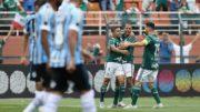 Jogadores do Palmeiras celebram gol na vitória contra o Grêmio que manteve a liderança do Brasileirão (Foto: Cesar Greco/Ag. Palmeiras)