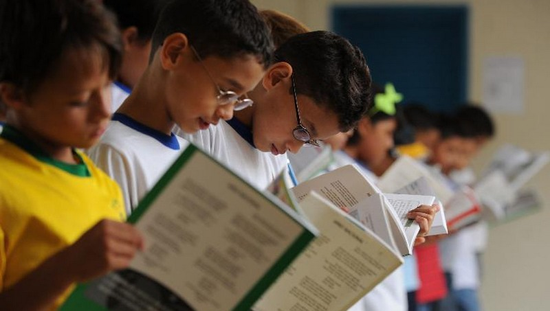Estudo mostra que apenas acesso universal à educação não é suficiente para reduzir desigualdades sociais no Brasil (Foto: Marcelo Casal/ABr)