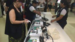 Técnicas do TRE conferem urnas eletrônicas que serão usadas na votação de domingo. Seções eleitorais serão instaladas nas escolas (Foto: Patrick Motta/ATUAL)