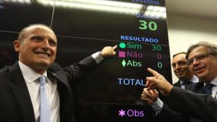 'Com Bolsonaro, quem roubar vai para cadeia e ele joga chave fora', diz Lorenzoni