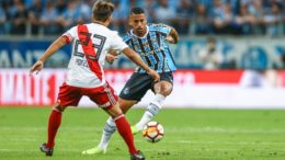 Grêmio levou dois gols nos minutos finais do jogo e foi eliminado na semifinal da Libertadores (Foto: Lucas Uebel/Grêmio FBPA)