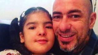 Chef Henrique Fogaça revela que filha recebeu 23 pinos na coluna