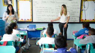 Com reajuste de 4,17%, novo piso nacional dos professores é de R$ 2,5 mil