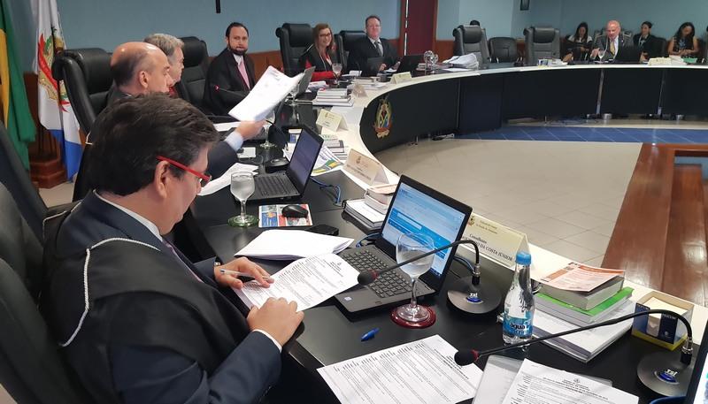 Conselheiros rejeitaram contas de ex-prefeito de Guajará e determinaram devolução de dinheiro público (Foto: Ana Cláudia Jatahy/TCE)