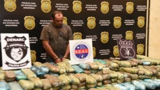 Polícia apreende caminhão com 300 quilos de cocaína avaliados em R$ 3 milhões