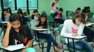 No vestibular e SIS da UEA, portões fecharão às 12h50 no horário de Manaus