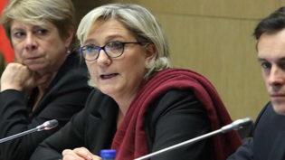 Marine Le Pen critica Bolsonaro por falas 'extremamente desagradáveis'