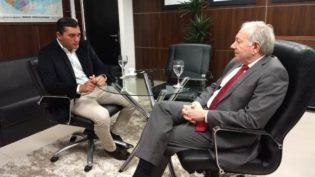Wilson Lima pede ao presidente do TRE-AM empenho contra 'fake news'